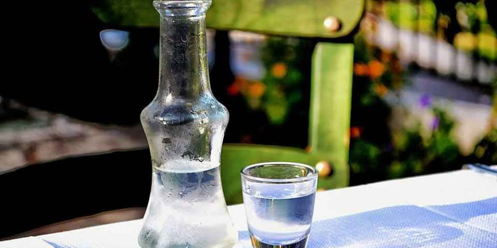 Tsipouro and Tsikoudia : treasures of the Greek land